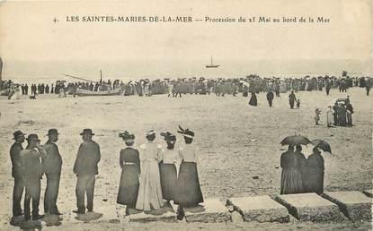 "/ CPA FRANCE 13 ""Les Saintes Maries de la Mer, procession du 25 mai au bord de la mer"""