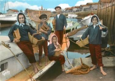 "/ CPSM FRANCE 33 ""Bassin d'Arcachon, groupe de Guyan Mestras """