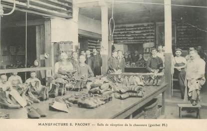 """CPA FRANCE 35 """"Fougères,  la manufacture de chaussures, salle de réception des chaussures"""""""