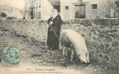 """/ CPA FRANCE 23 """"Types Creusois"""" / FOLKLORE / COCHON"""
