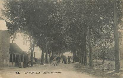 "/ CPA FRANCE 24 ""La Coquille, av de la gare"""
