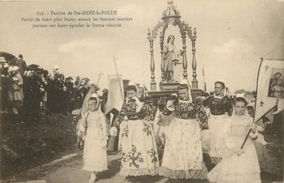 """CPA FRANCE 29 """"Pardon de Sainte Anne la Palue, la statue vénérée"""""""