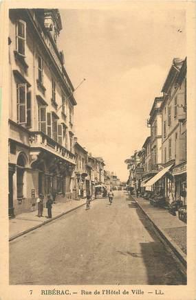 """/ CPA FRANCE 24 """"Riberac, rue de l'hôtel de ville"""""""