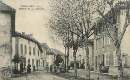 """/ CPA FRANCE 38 """"Sillans, place de la Croisée"""""""