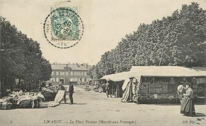 """CPA FRANCE 14 """"Livarot, la Place Pasteur, le marché au Fromage"""""""