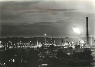 """/ CPSM FRANCE 64 """"Lacq, vue de nuit sur les champs pétrolifères"""""""