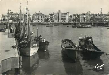 """/ CPSM FRANCE 64 """"Saint Jean de Luz, le port et la maison de l'Infante"""""""