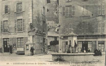"""/ CPA FRANCE 38 """"Sassenage, la place Saint Pierre et l'entrée des grottes"""""""