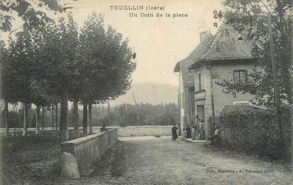 "/ CPA FRANCE 38 ""Thuellin, un coin de la place"""