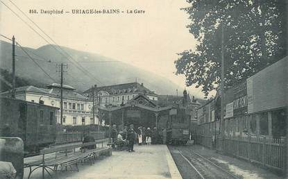 "/ CPA FRANCE 38 ""Uriage les Bains, la gare"""