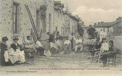 """CPA FRANCE 87 """"Env. de Feytiat, le Mas Gauthier, les vanniers au travail"""""""