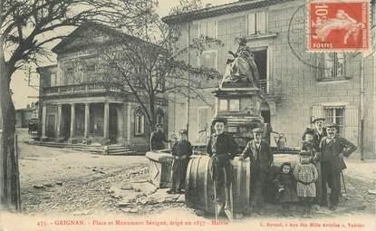 """CPA FRANCE 26   """"Grignan, place et monument Sévigné"""""""