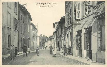 """/ CPA FRANCE 38 """"La Verpillère, route de Lyon"""""""