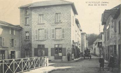 """/ CPA FRANCE 38 """"Viriville, rue de la gare"""""""