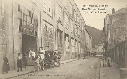 "/ CPA FRANCE 38 ""Vienne, rue Victor Faugier """