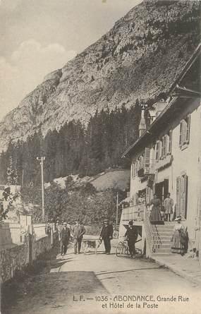 """/ CPA FRANCE 74 """"Abondance, grande rue et hôtel de la Poste"""""""