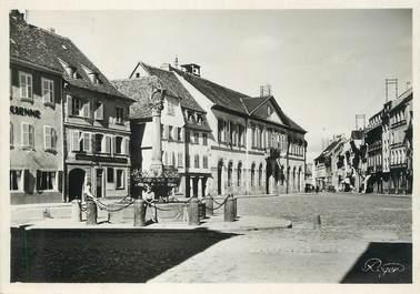 """/ CPSM FRANCE 67 """"Molsheim, place de la mairie """""""