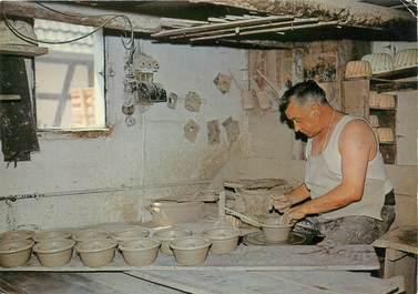 """/ CPSM FRANCE 67 """"Soufflenheim, atelier de poterie"""""""