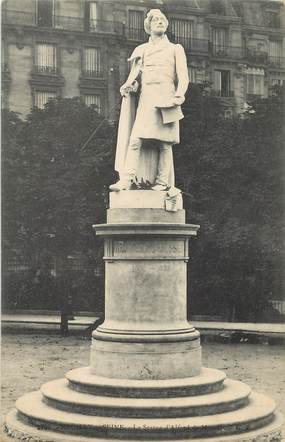 "CPA FRANCE 92 ""Neuilly, la statue d'Alfred de Musset"""