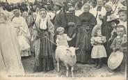 """29 Finistere  CPA FRANCE 29 """"Saint Jean du Doigt, le petit Saint jean et son mouton"""""""
