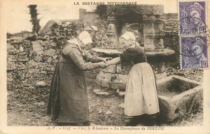 """CPA FRANCE 29 """"Le Pouldu, chez la Rebouteuse"""""""