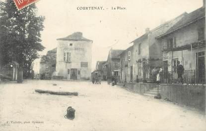 "/ CPA FRANCE 38  ""Courtenay, la place """