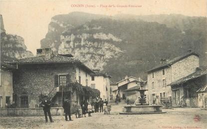 """/ CPA FRANCE 38 """"Cognin, place de la grande Fontaine"""""""