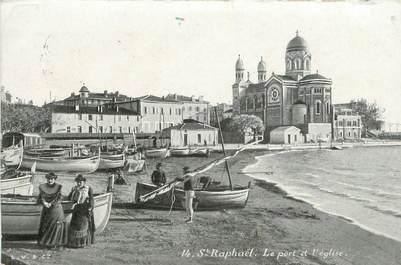 """CPA FRANCE 83 """"Saint Raphaël, le port et l'Eglise"""" / AQUA PHOTO"""