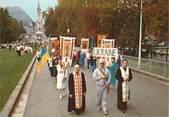 """Europe     CPSM  UKRAINE """"Procession des malades ukrainiens à Lourdes"""""""