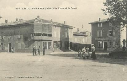 """/ CPA FRANCE 38 """"Les Côtes d'Arey, la place et la poste """""""