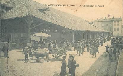 """/ CPA FRANCE 38 """" La Côte Saint André, la Halle un jour  de marché """""""