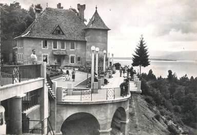 """/ CPSM FRANCE 74 """"Thonon les Bains, la place du château et le lac Léman """""""