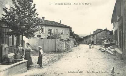 """/ CPA FRANCE 38 """"Roche, rue de la mairie"""""""