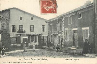 """/ CPA FRANCE 38 """"Revel Tourdan, place de l'église"""""""