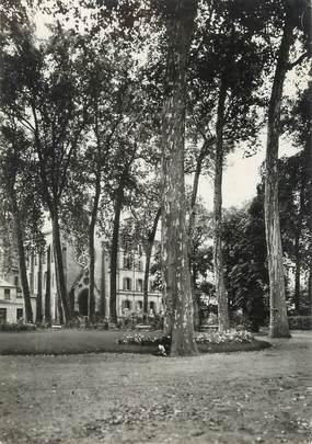 """/ CPSM FRANCE 78 """"Versailles, école Sainte Geneviève, l'entrée"""""""