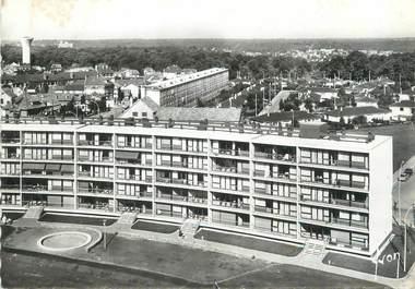 """/ CPSM FRANCE 78 """"Velizy Villacoublay, résidence des Sorbiers à l'arrière plan Velizy Le Clos"""""""