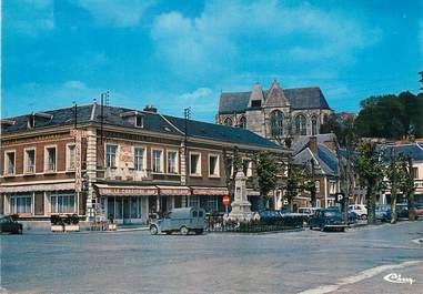 """/ CPSM FRANCE 80 """"Poix de Picardie, l'église et le cardinal"""""""