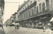 """37 Indre Et Loire CPA FRANCE 37 """"Tours, rue Nationale"""" / Grand Bazar et Nouvelles Galeries"""