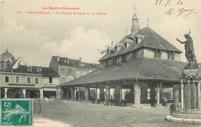 """CPA FRANCE 31 """"Montréjeau, la statue Saint Jean et la Halle"""""""