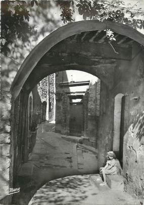 """/ CPA FRANCE 83 """"La Cadière d'Azur, ancienne porte de la mairie"""""""
