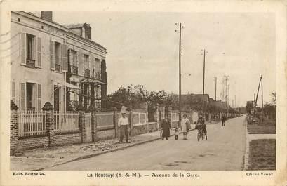 """CPA FRANCE 77 """"La Houssaye, avenue de la gare"""""""