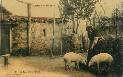 """.CPA   FRANCE 07 """"Scènes champêtres, La cour d'une ferme"""""""