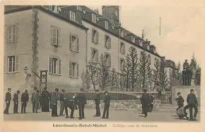 """.CPA FRANCE 36 """"Lourdoueix Saint Michel, Collège, Cour de récréation"""""""