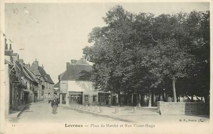 """CPA FRANCE 36 """"Levroux, Place du Marché et rue Victor Hugo"""""""