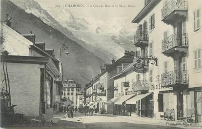 """.CPA FRANCE 74 """"Chamonix, Grandue rue et le Mont Blanc"""""""