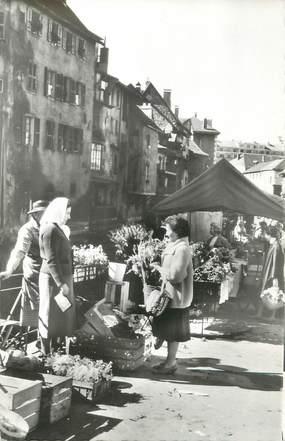 """.CPSM FRANCE 74 """" Annecy,Marché dans les vieux quartiers"""""""