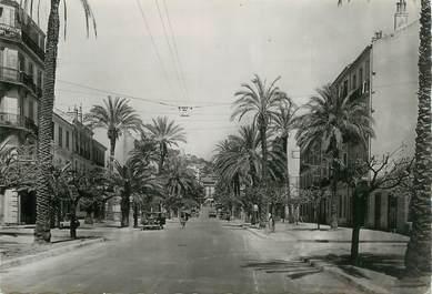 """CPSM FRANCE 83 """" Hyères, l'avenue des palmiers"""""""