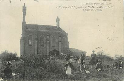 """.CPA FRANCE 69 """"  Notre Dame de Brouilly, Pélérinage du 08 septembre, goûter sur l'herbe"""""""
