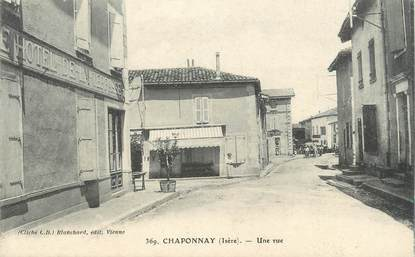".CPA  FRANCE 69 "" Chaponnay, Une rue"""