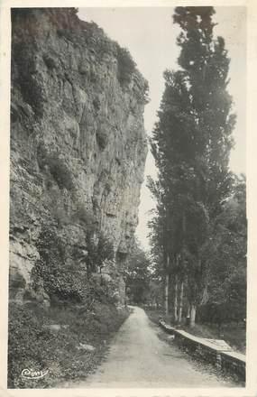 """.CPSM FRANCE 46 """" Gluges, Route de Creysse"""""""